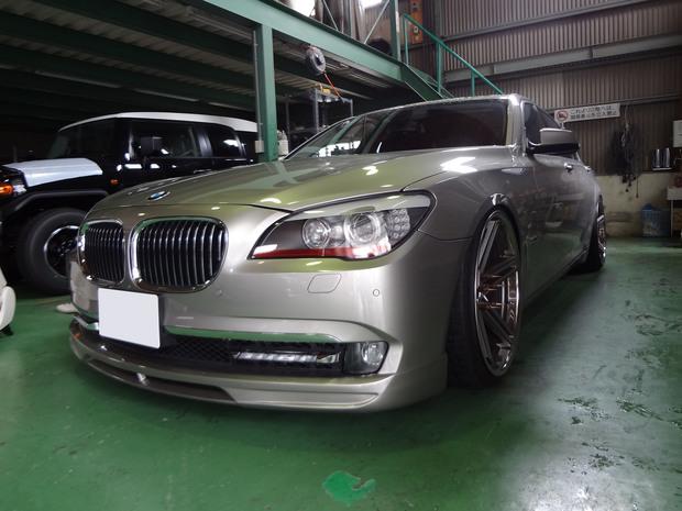 サイドステップ取り付け_BMW320i(ABA-KA44)_1.JPG