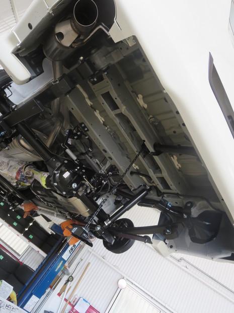 下回り防錆塗装_キャラバン(LDF-VW6E26)_2.JPG