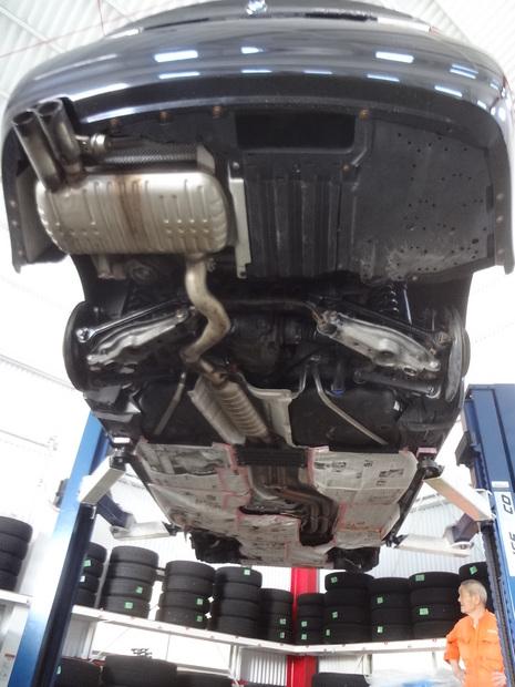 防錆塗装_BMW330xi(ABA-VD30)_2.JPG