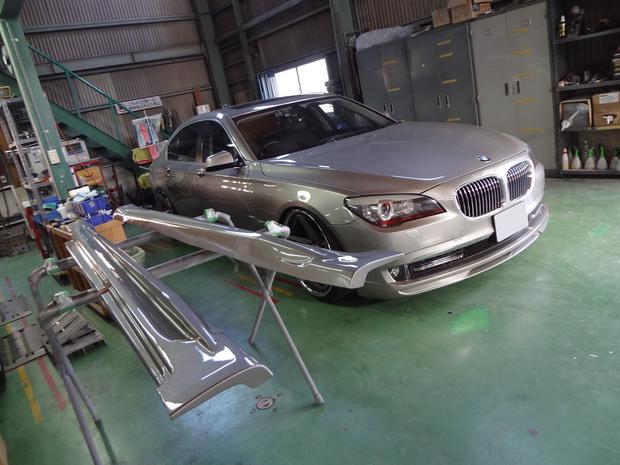 サイドステップ取り付け_BMW320i(ABA-KA44)_8.JPG