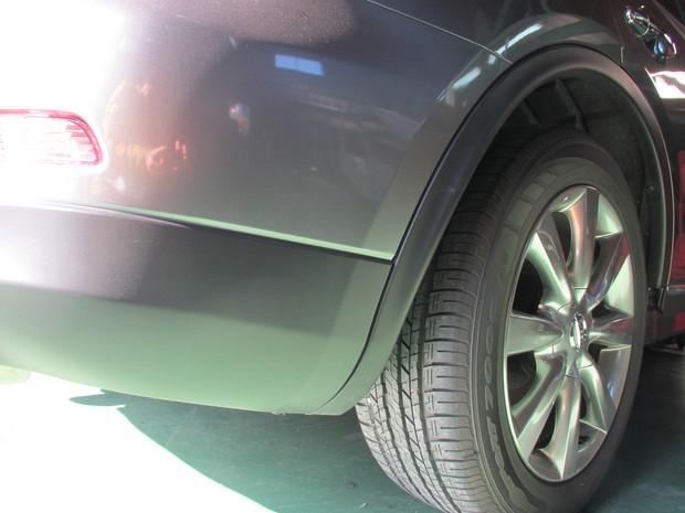 スカイラインクロスオーバー(樹脂バンパーボディ同色塗装) (4).JPG