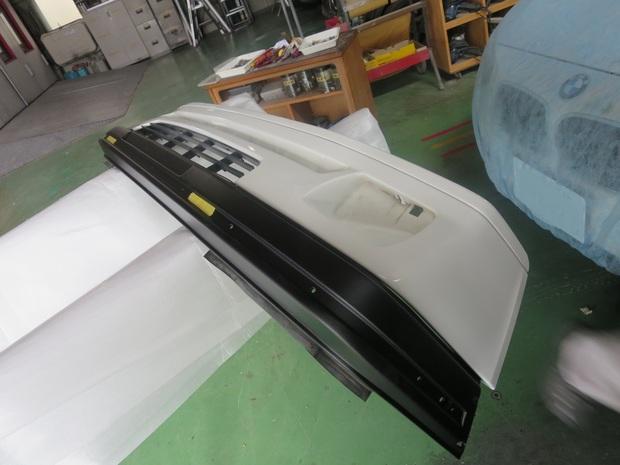プジョー205カブリオレ(フロントバンパー修理) (6).JPG