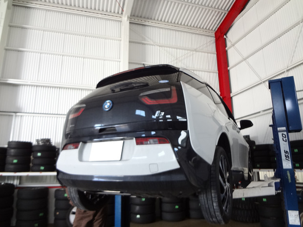 ホイールコーティング_BMW i3_1.JPG
