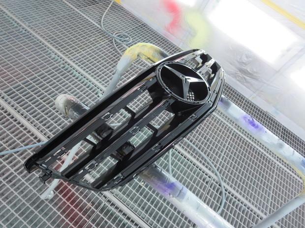 マットブラックグリル(ベンツC200) (4).JPG