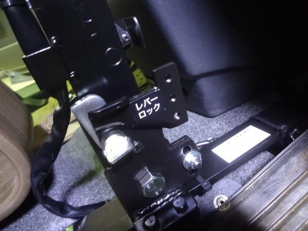 手動運転装置_フリード(DBA-GB3)_3.JPG