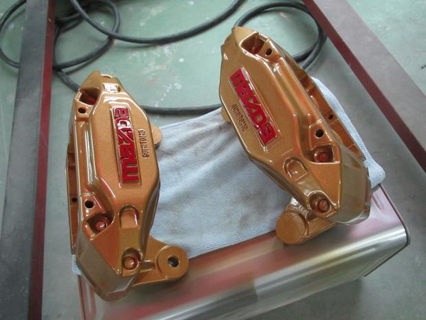 RX-7、キャリパー塗装(ブレンボゴールド) (17).JPG