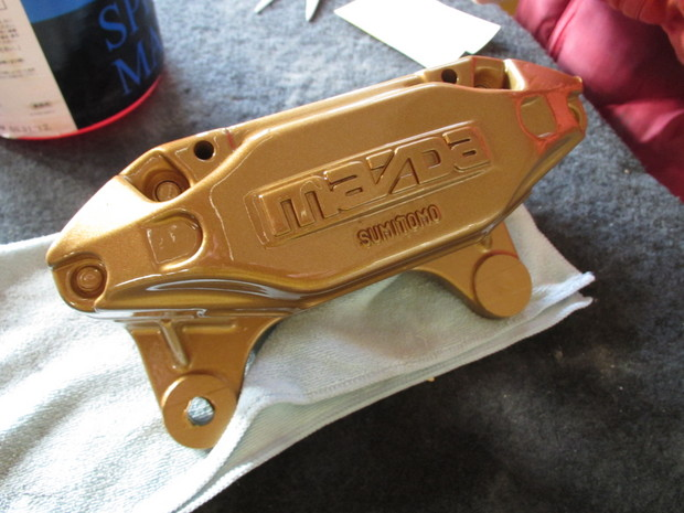 RX-7、キャリパー塗装(ブレンボゴールド) (5).JPG